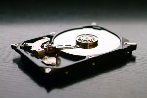 Czy można skutecznie odzyskać dane z uszkodzonego dysku?